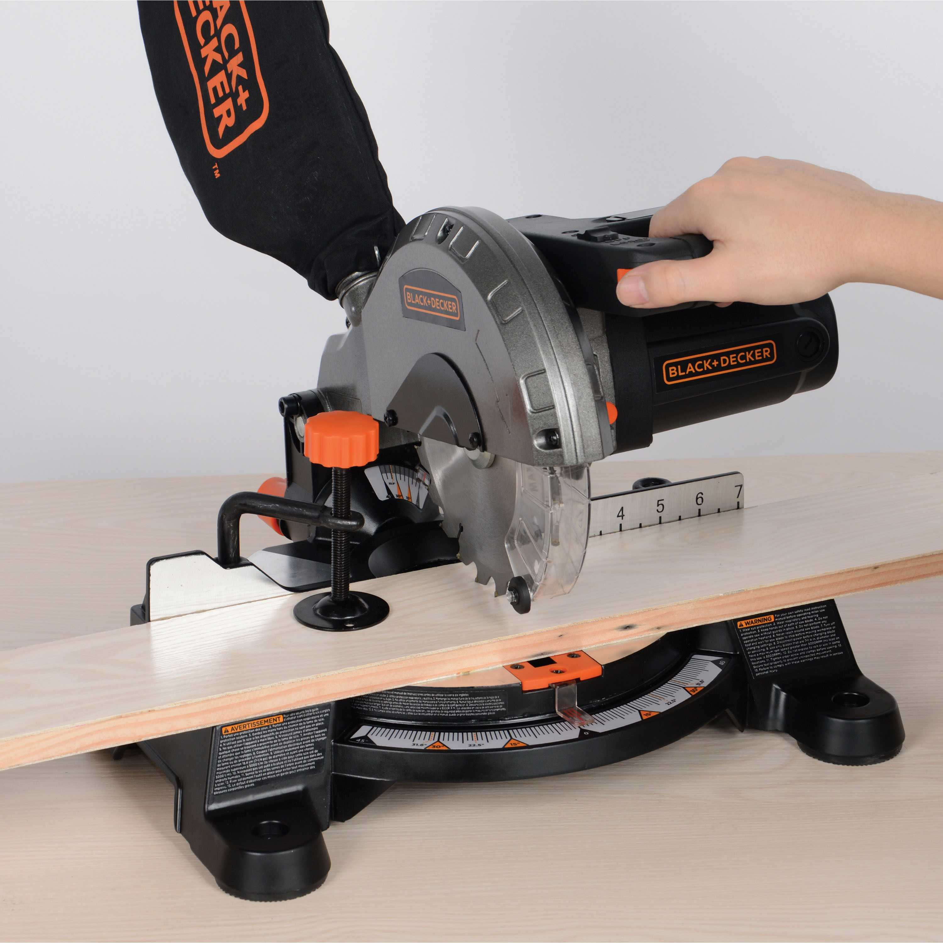 Black & Decker M1850BD 9 Amp 7-1/4 in. Compound Miter Saw